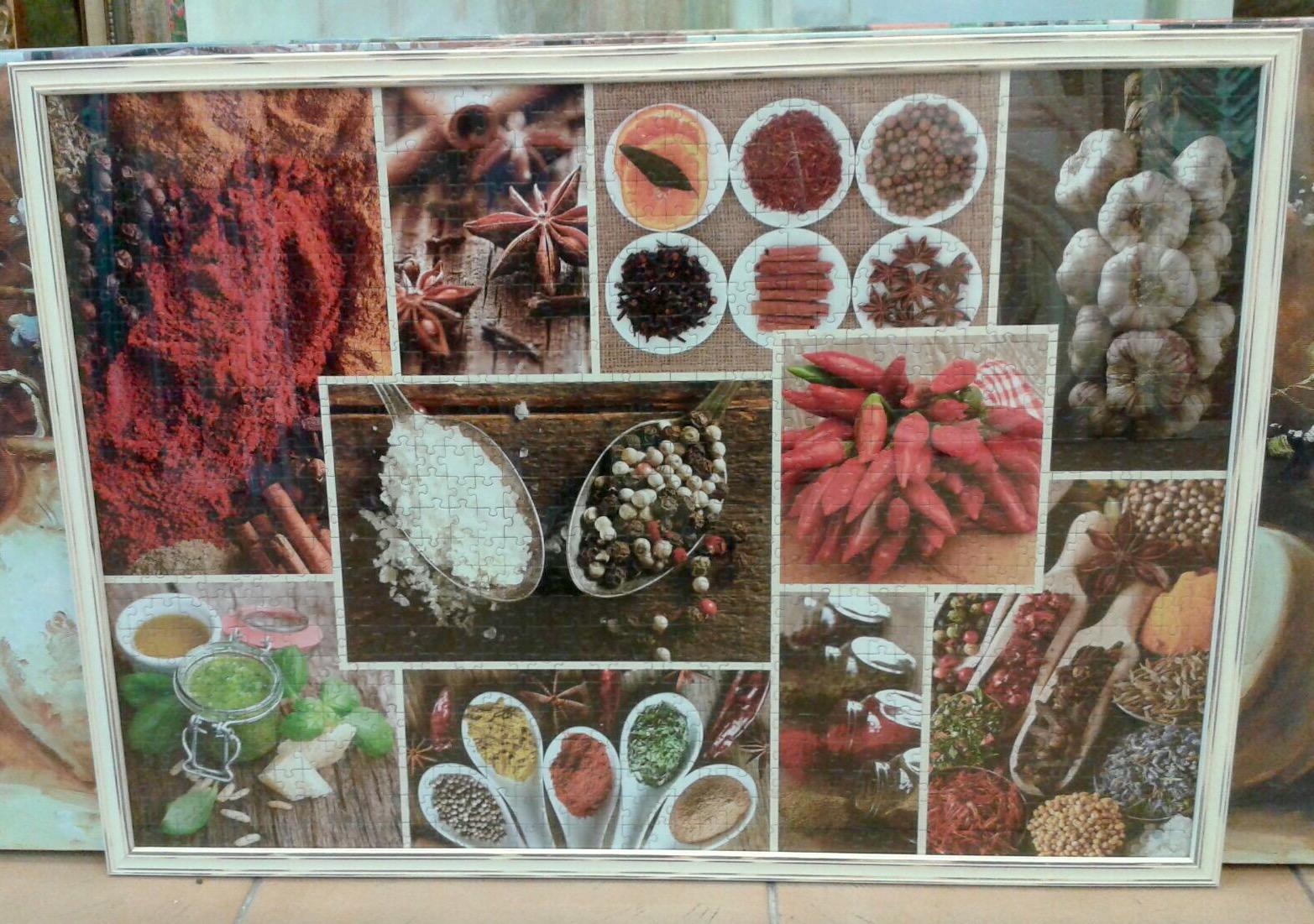 """מסגור פאזלים תבלינים - שום טוסקני, כוכב אניס, צ'ילי ושאר תבלינים Trefl Spices 1000 Piece Jigsaw Puzzle 68*48 ס""""מ (לא כולל המסגרת)"""